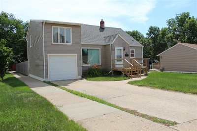 Minot Single Family Home For Sale: 814 18th St