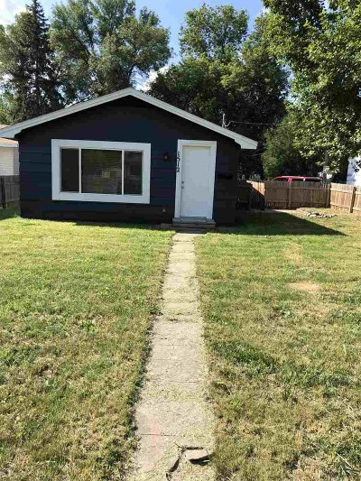 Minot Single Family Home For Sale: 1512 1st Ave SE
