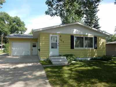Minot Single Family Home For Sale: 1613 SW 5th St SW