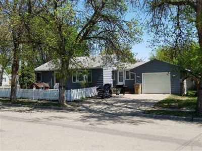 Minot Single Family Home For Sale: 618 14th St NW