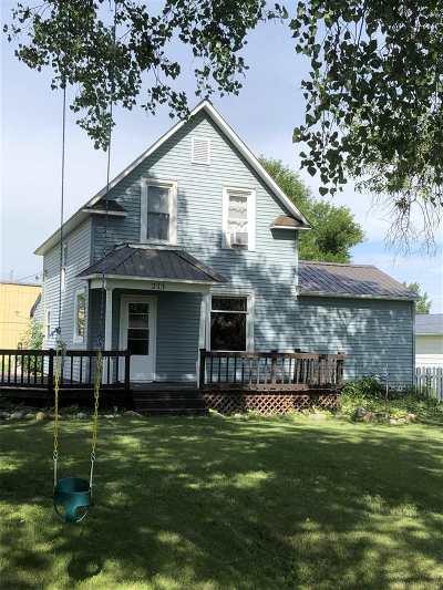 Berthold Single Family Home For Sale: 213 Berthold St NE