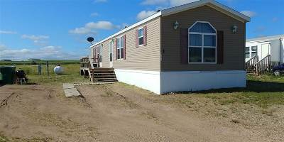 Minot Mobile Home For Sale: 4676 Wendy Way #245