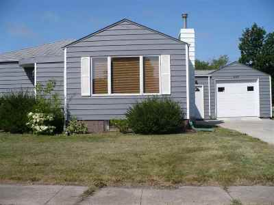 Single Family Home For Sale: 607 4th Ave