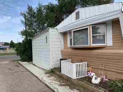 Minot Mobile Home For Sale: 2101 NW 3rd St