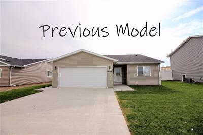 Minot ND Single Family Home Contingent - Hi: $220,850