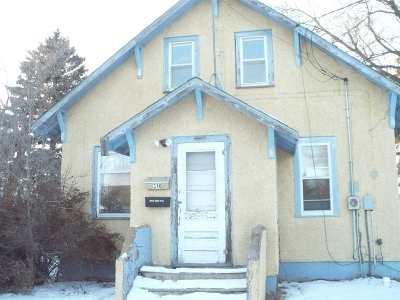 Single Family Home For Sale: 310 Alexander St