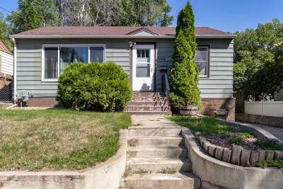 Minot Single Family Home For Sale: 1124 8th St NW