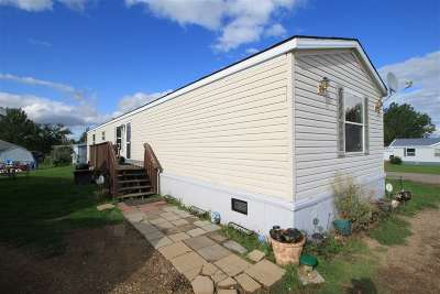 Minot Mobile Home Contingent - Hi: 1620 46th St SE