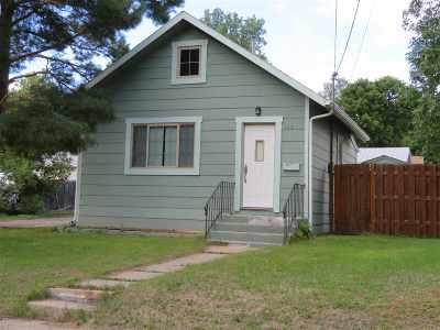 Minot Single Family Home For Sale: 113 NE 10th Ave NE