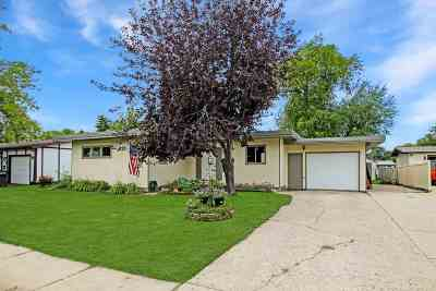 Minot Single Family Home For Sale: 1947 Anderson Drive