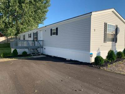 Minot Mobile Home For Sale: 1500 18th St SE