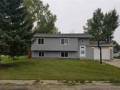 Burlington Single Family Home For Sale: 2 Casa Dr