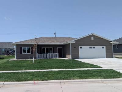 Kearney Single Family Home For Sale: 908 9th Avenue