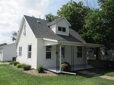 Kearney NE Single Family Home For Sale: $143,900