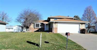 Kearney Single Family Home For Sale: 9 Oakmont Place
