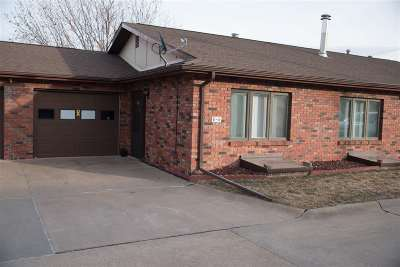Kearney Single Family Home For Sale: 110 E 39th Street E5