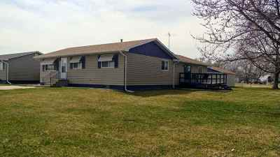 Minden Single Family Home For Sale: 885 S Nebraska