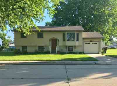 Kearney Single Family Home For Sale: 1420 E 32nd Street