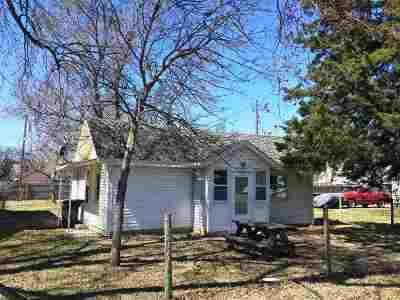 Kearney Single Family Home For Sale: 2110 E Avenue