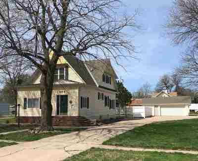 Minden NE Single Family Home For Sale: $168,500