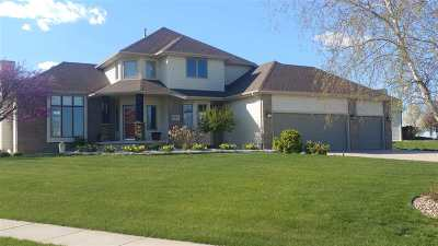Kearney Single Family Home For Sale: 4704 Country Club Lane