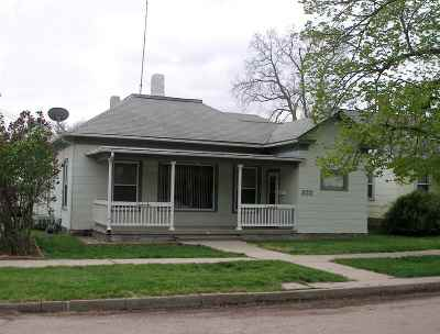 Kearney NE Single Family Home New Listing: $158,900