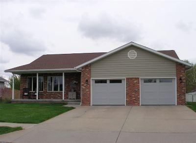Kearney NE Single Family Home For Sale: $300,000