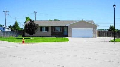 Kearney Single Family Home For Sale: 2 Cedar Lane