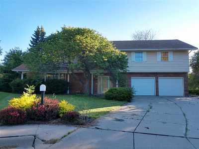 Kearney Single Family Home For Sale: 10 Sioux Lane