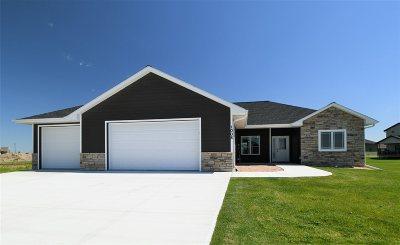 Kearney Single Family Home For Sale: 1008 Remington Drive