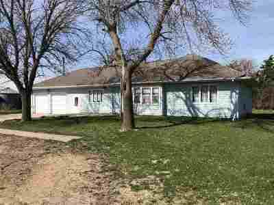 Minden NE Single Family Home For Sale: $200,000