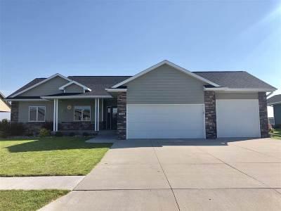 Kearney NE Single Family Home For Sale: $359,000