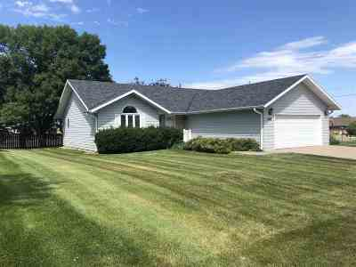 Kearney Single Family Home New Listing: 4310 1st Avenue