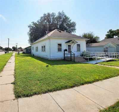 Kearney Single Family Home New Listing: 1621 3rd Avenue