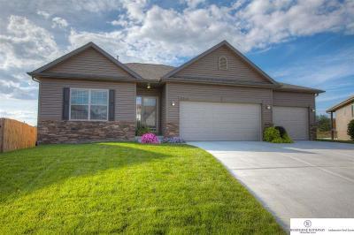 Gretna Single Family Home For Sale: 11208 Morgan Circle