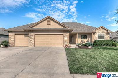 Papillion Single Family Home For Sale: 8162 Legacy Street