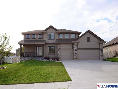 Papillion Single Family Home For Sale: 6803 Ridgewood Drive
