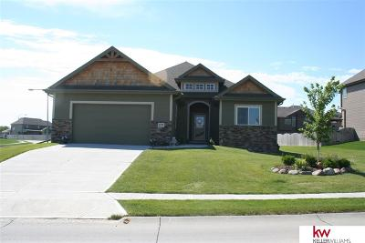Papillion Single Family Home For Sale: 6753 Ridgewood Drive