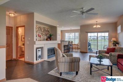 Bellevue Condo/Townhouse For Sale: 14008 Tregaron Ridge Avenue #Apt A