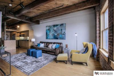 Condo/Townhouse For Sale: 105 S 9th Street #713