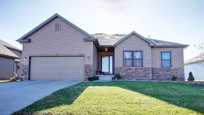 Gretna Single Family Home For Sale: 17029 Colleen Lane