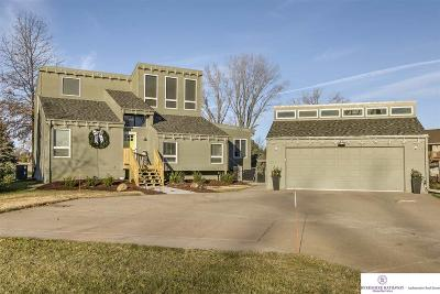 Springfield Single Family Home For Sale: 17712 Cottonwood Lane