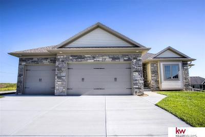 Omaha Single Family Home For Sale: 17906 Camelback Avenue