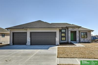 Gretna Single Family Home For Sale: 611 Brentwood Drive