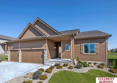 Gretna Single Family Home For Sale: 18816 Birch Avenue