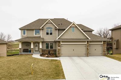 Papillion Single Family Home For Sale: 7621 Leawood Street