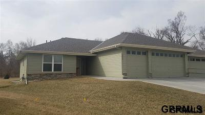 Plattsmouth Condo/Townhouse For Sale: 2821 Lakeside Drive