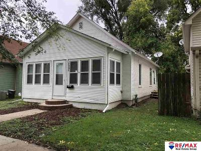 Council Bluffs Single Family Home For Sale: 2302 Avenue D
