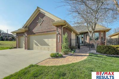 Omaha Single Family Home For Sale: 15508 Lakeside Plaza