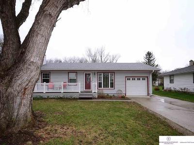 Gretna Single Family Home New: 121 Meadow Lane